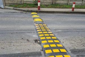 Au fost înlocuite calmatoarele de viteză pe strada Polonă