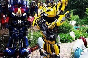 Roboți Transformers și păpuși gigantice la Timeless 4ALL Festival