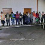 Grup format din şaptesprezece migranţi care erau călăuziţi de un român, depistat la frontiera cu Serbia