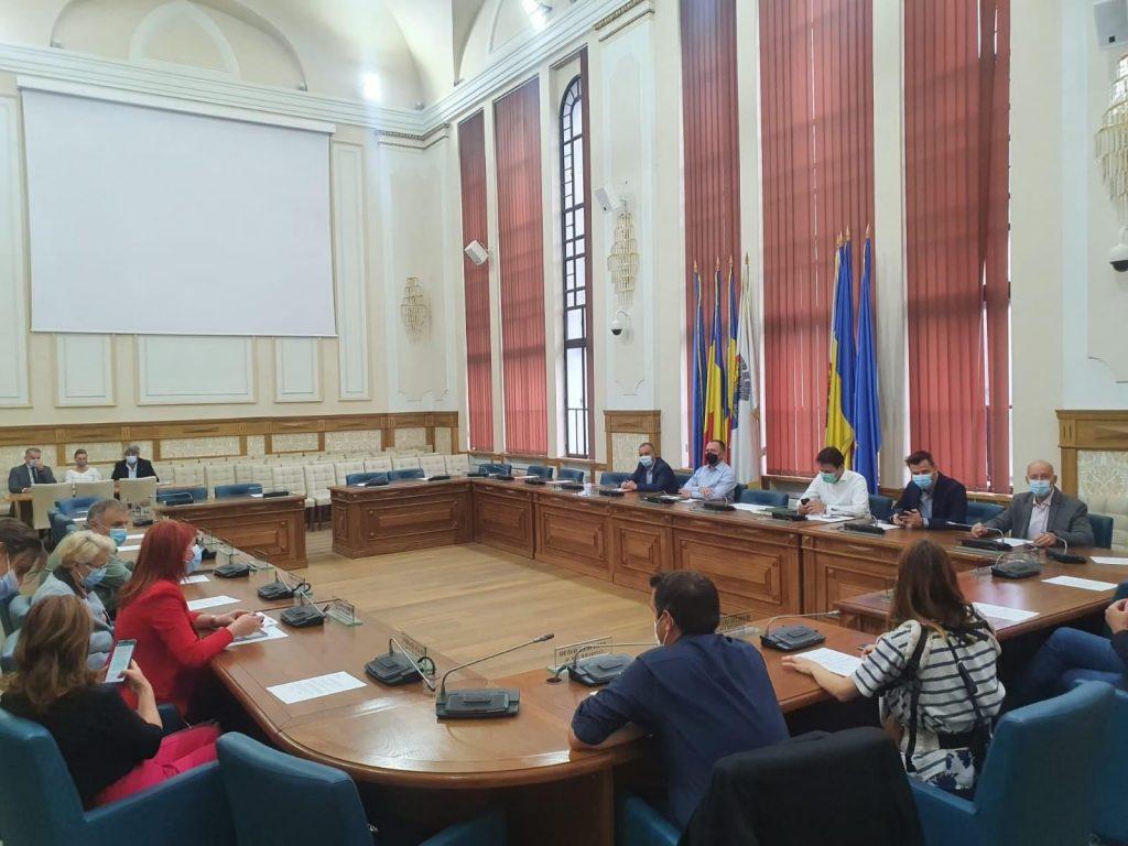 Dominic Fritz: Cerem PNL Timiș și președintelui Alin Nica să dea dovadă de responsabilitate și să revină la ședințele unde se iau decizii pentru Timișoara