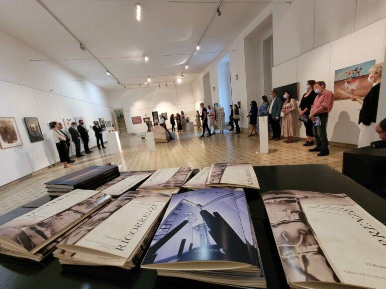 "UVT a deschis la Roma expoziția ""Ricorrenze/Recurențe/Recurrences"""