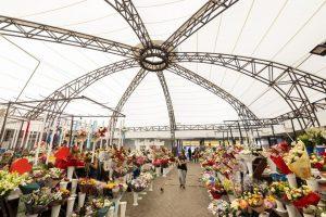 Hala de flori din Piața 700 are copertină nouă