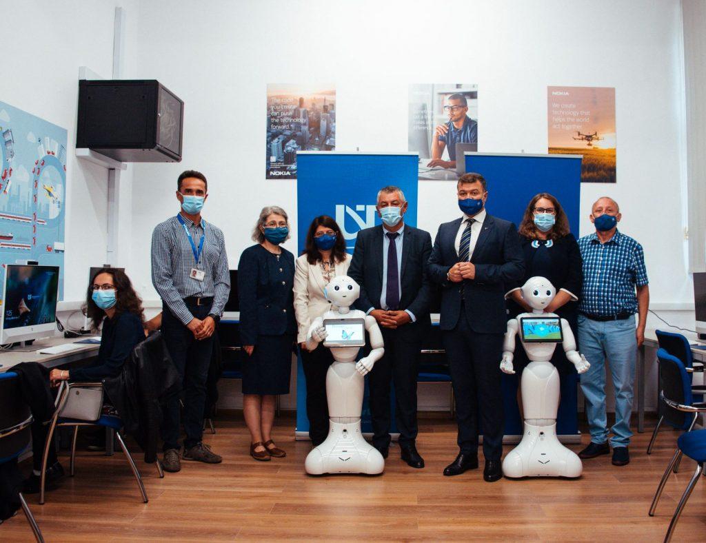UVT și Nokia inovează în beneficiul studenților. S-a inaugurat noul Laborator de informatică Nokia