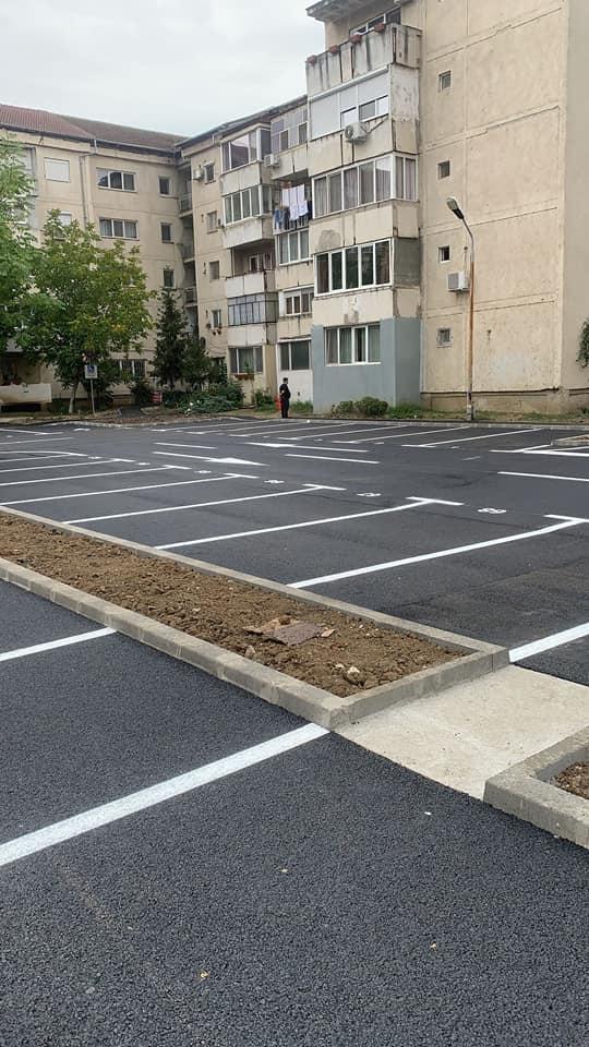 Patru noi parcări apar în cartiere în locul garajelor demolate