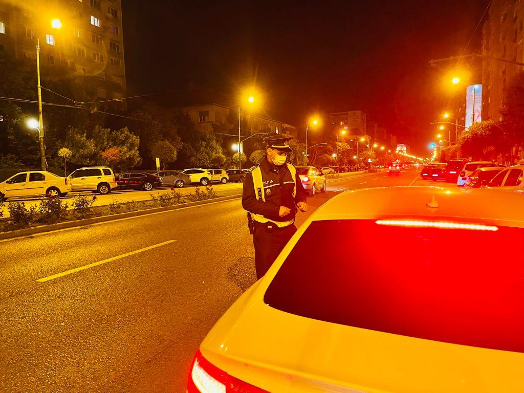 Poliția continuă să amendeze persoanele care nu poartă mască