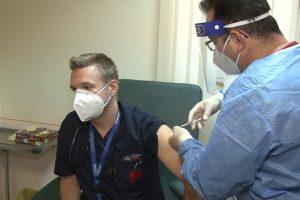 A început administrarea celei de-a treia doze de vaccin cadrelor medicale de la Spitalul Victor Babeș